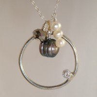 Pearl Loop Necklace