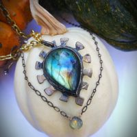 Pakua Labradorite Necklace
